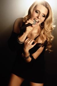 Christine Dee Sängerin blond Hochzeit Gala Veranstaltung Popmusik Balladen